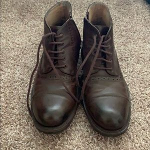 9.5 Steve Madden boots
